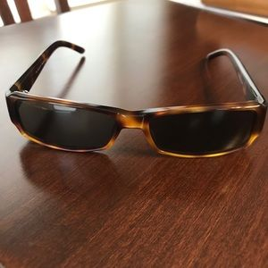 Gucci brown tortoise shell sunglasses.